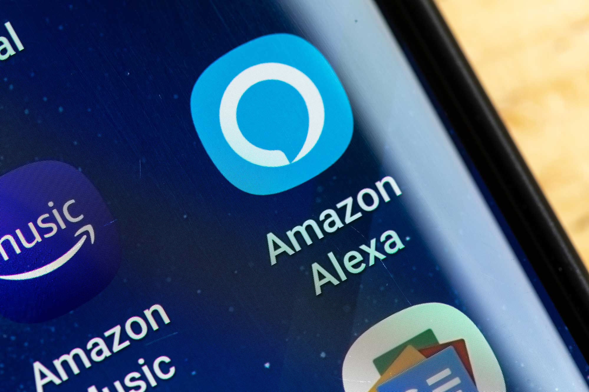 Con Alexa e Amazon Echo Show ora vedi anche Number One Tv