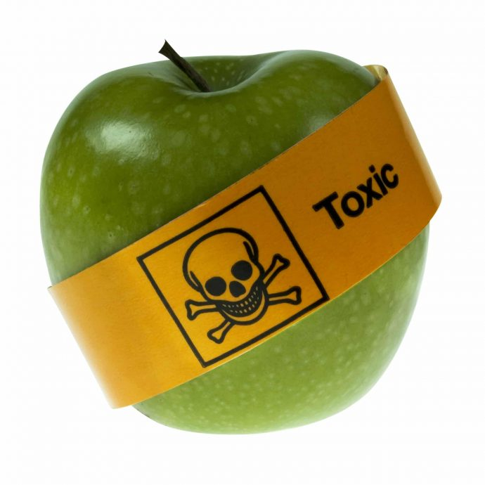 mela-pesticidi-salvagente