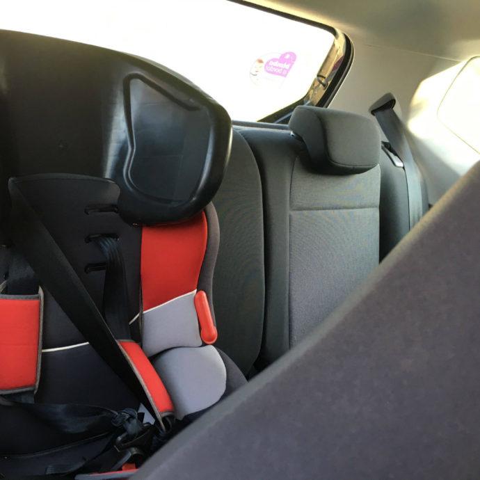 passeggeri-e-bimbi-in-auto