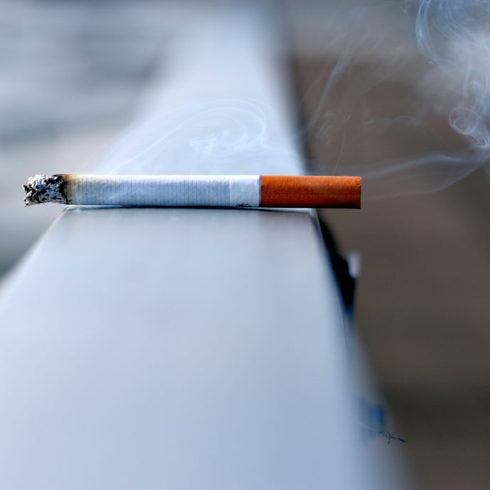 fumare sigaretta fumo