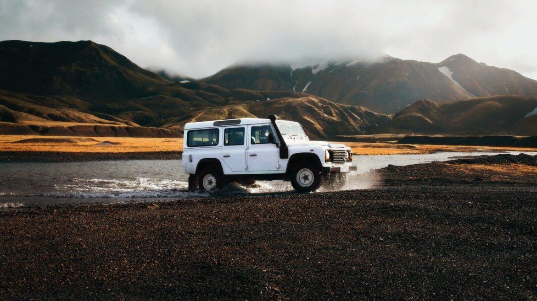 Jeep progetta una macchina che si può guidare sott'acqua