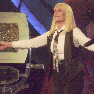 Raffaella Carrà fa il giro del mondo con un musical