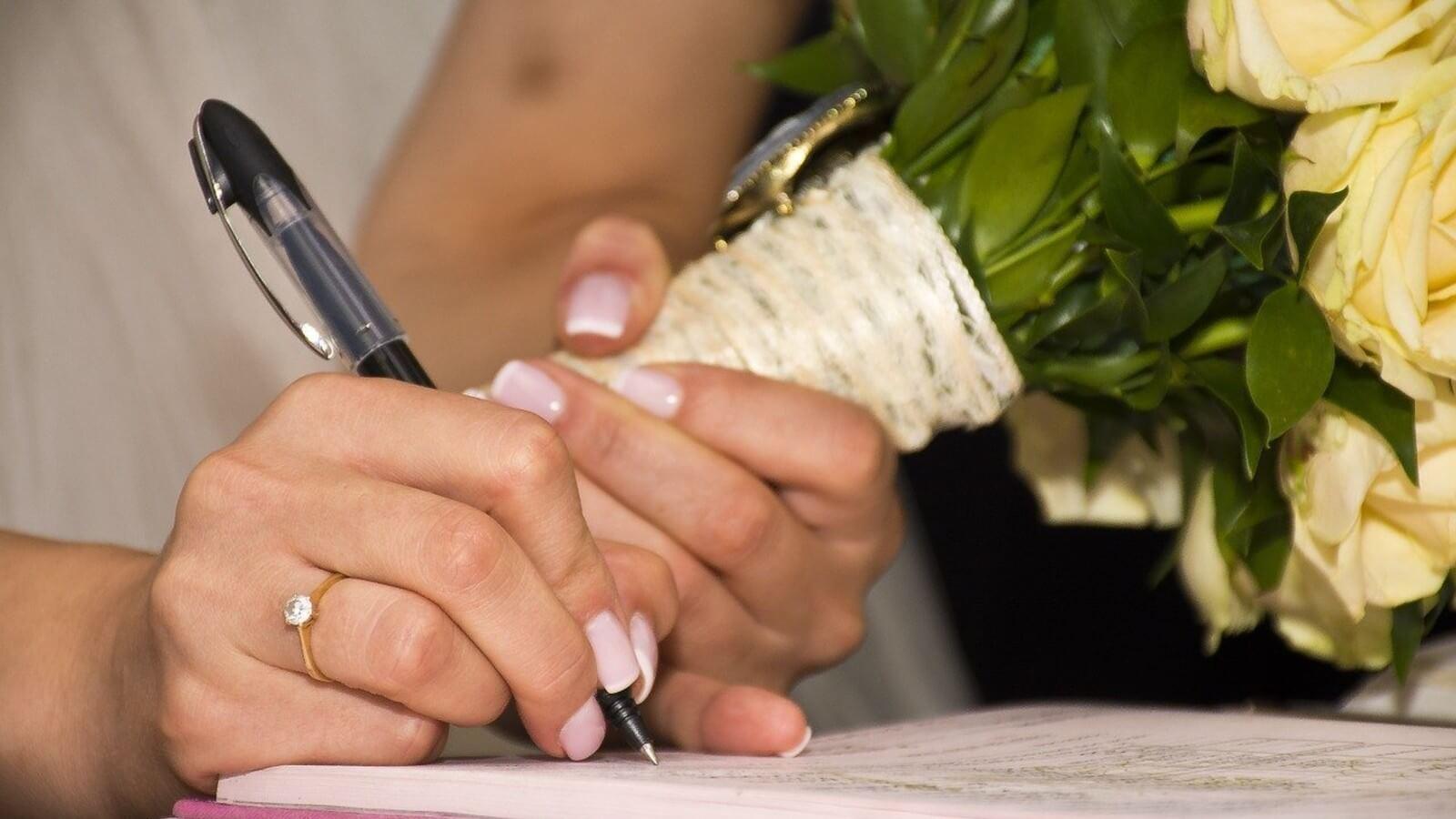 Avv. Iacobino: «In Italia gli accordi prematrimoniali non sono legali»